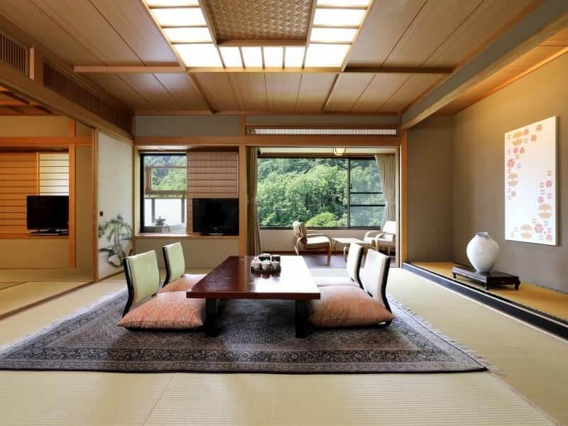 Photo d'un restaurant japonais qui propose des plats traditionnels, dans une ambiance très spécifique.