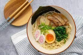 Image d'un plat à base de Shio. La variante simplement salé d'un plat.