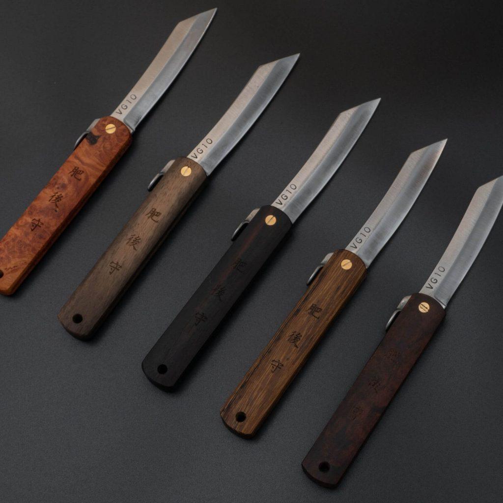 Parmi les couteaux de poche japonais que l'on peut trouver, le Higonokami est l'un des rares à pouvoir se plier